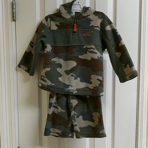 Children's Place 2 Piece Camo Hooded Outfit